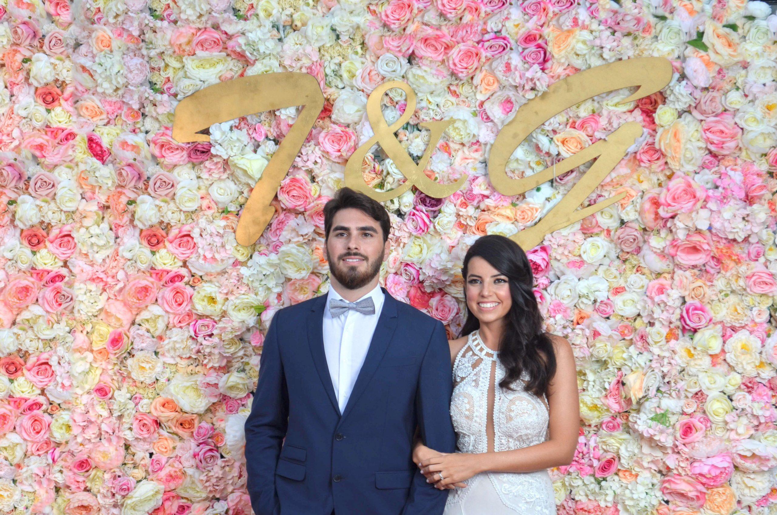 קיר פרחים לחתונה